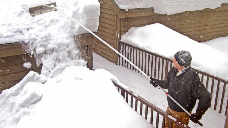 Требования безопасности при очистке крыш от снега