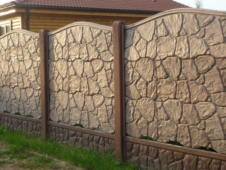 фото видов раскраски бетонных заборов старый сохранившихся