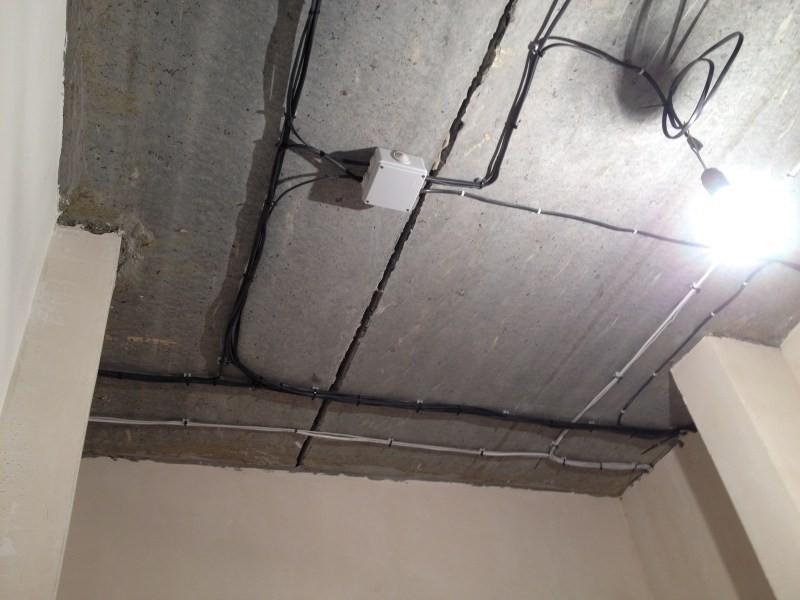 Крепеж для прокладки кабеля