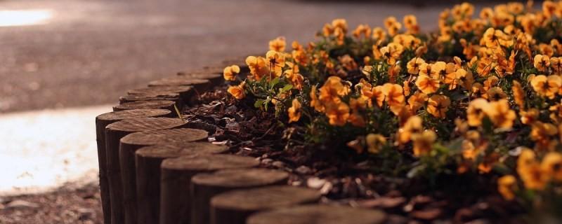 Ограда для цветов своими руками