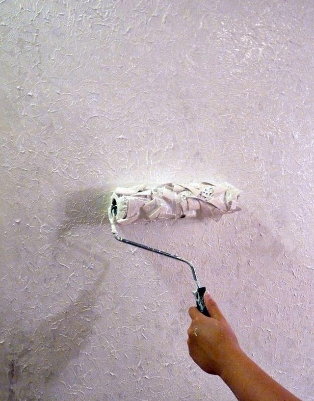 нанесение фасадной штукатурки валиком